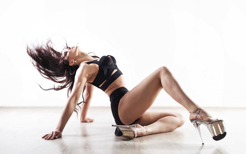 Как научиться танцевать стриптиз – советы от танцовщиц Ольги Ягодницыной и Регины Петровой.
