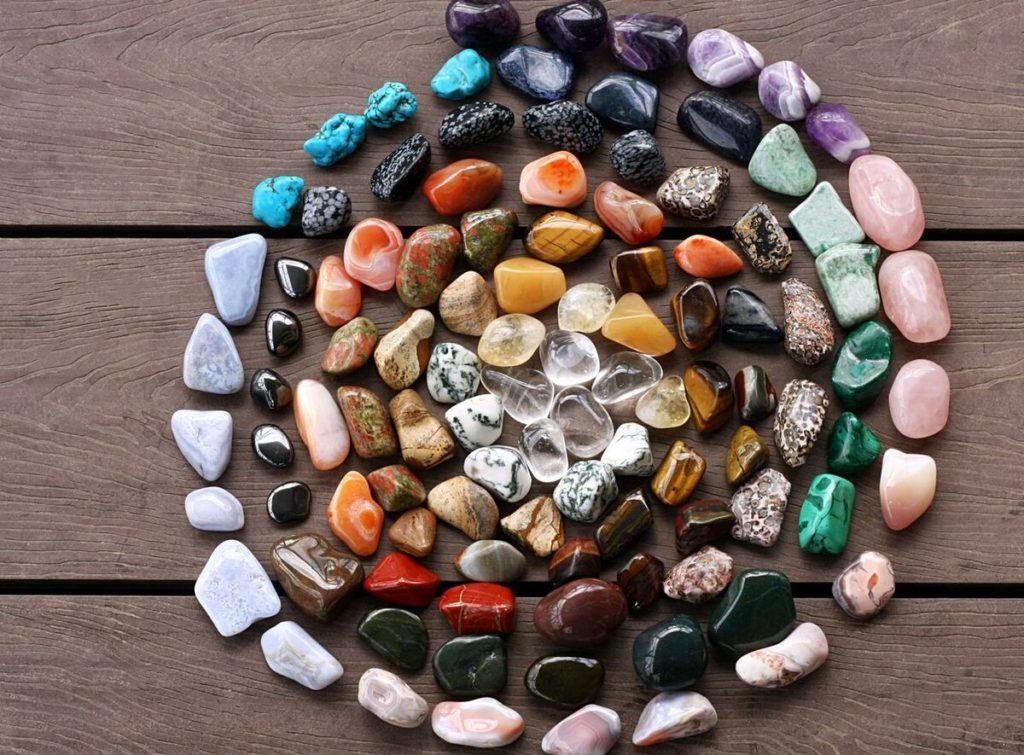 Какие минералы для привлечения денег лучше? Советы от эзотерика Вероники Зариповой.